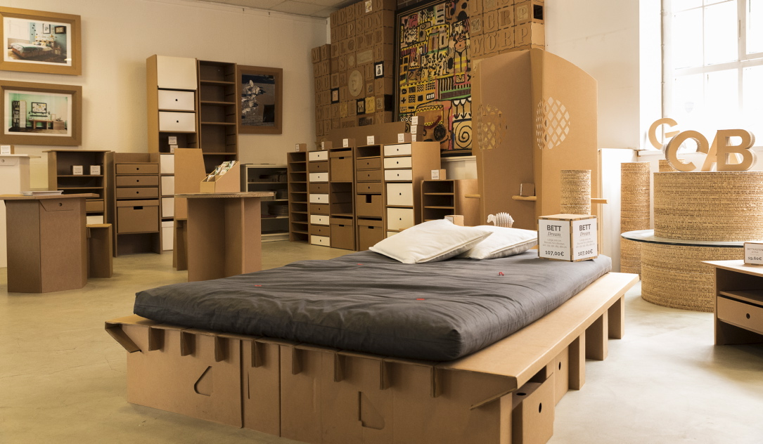 nicht von pappe doch forum das wochenmagazin ute schirmack torial. Black Bedroom Furniture Sets. Home Design Ideas
