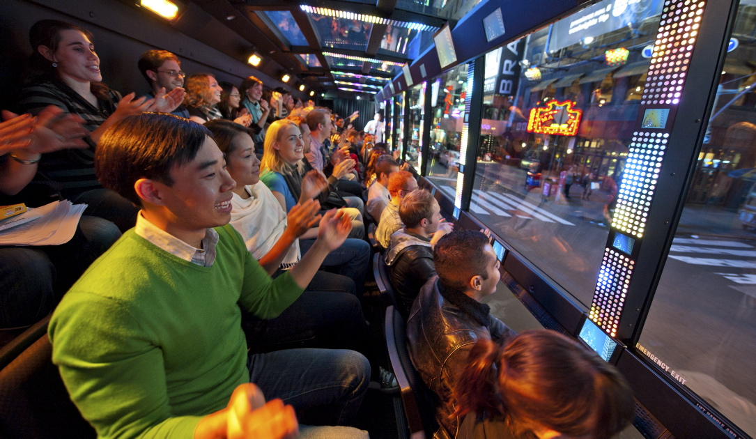 The Ride Experience in New York bietet interaktive Busfahrten durch die City an.