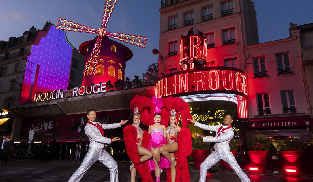 Berümht-berüchtigtes Amüsement-Etablissement: Das Moulin Rouge in Paris